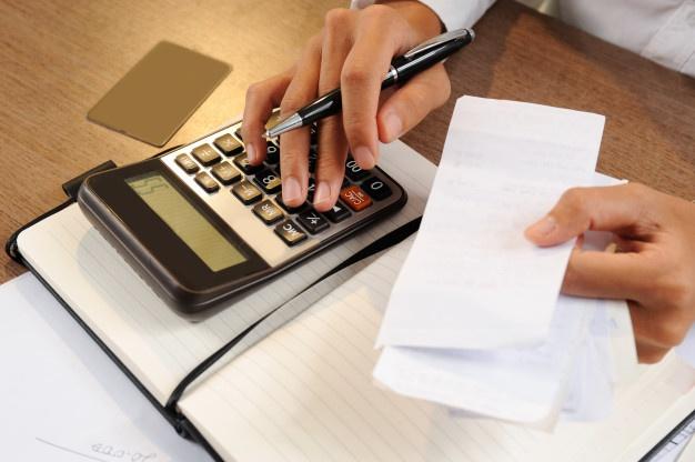 bills-calculating